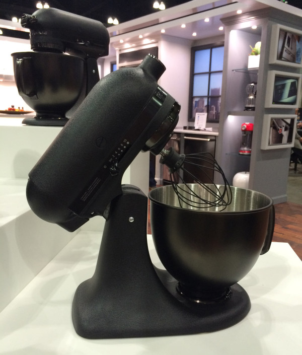 black-kitchen-aid-mixer