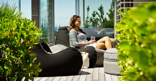 lujo-outdoor-bean-bag-chairs-1