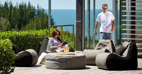 lujo-outdoor-bean-bag-chairs-2