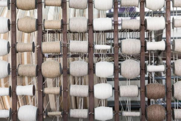 1-hand-spinning-yarn-3