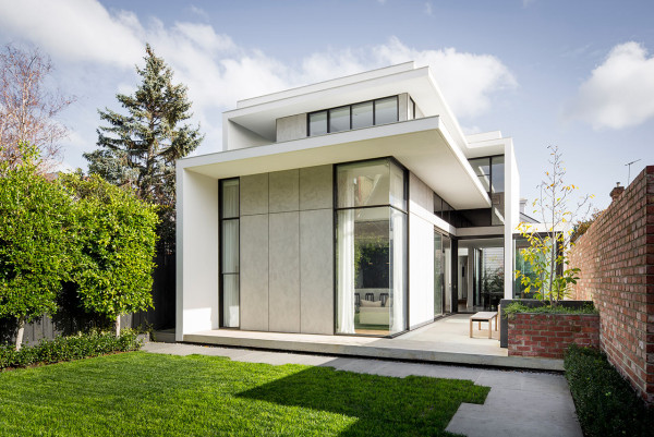 A Large, Modern Addition to a Victorian Home in Melbourne