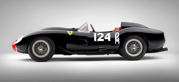 The pontoon-fender styling of the original 250 Testa Rossa is cited as the inspiration for the new 2015 California T's sleek styling.
