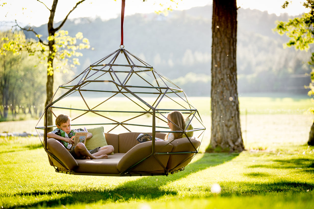 Outdoor hanging bed - Kodama Zomes Hanging Geodesic Seats