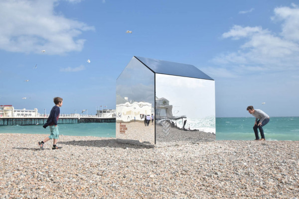 Mirrored-Beach-Hut-ECE-Architecture-5