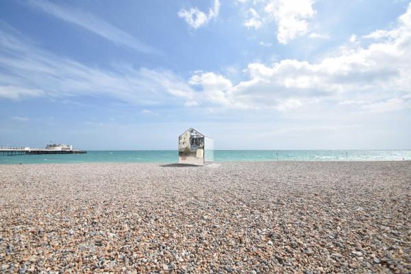 Mirrored-Beach-Hut-ECE-Architecture-6