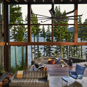 A Cabin in Washington That Perfectly Combines Work + Play