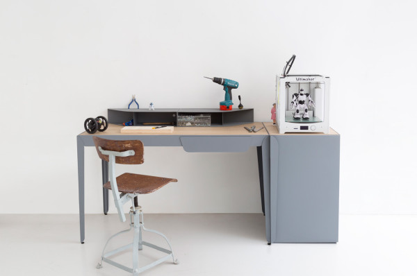 Constance-Guisset-10-Flamingo-desk