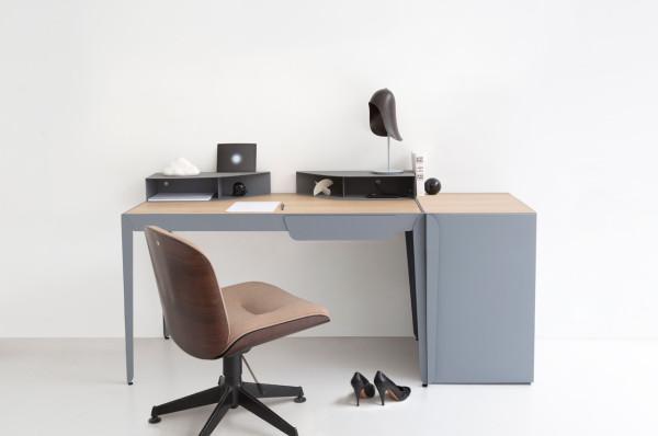 Constance-Guisset-6-Flamingo-desk