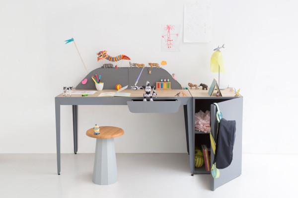 Constance-Guisset-8-Flamingo-desk