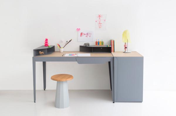Constance-Guisset-9-Flamingo-desk