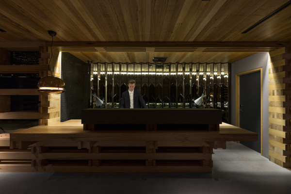 Destin-Hotel-Hotel-Canberra-2-reception