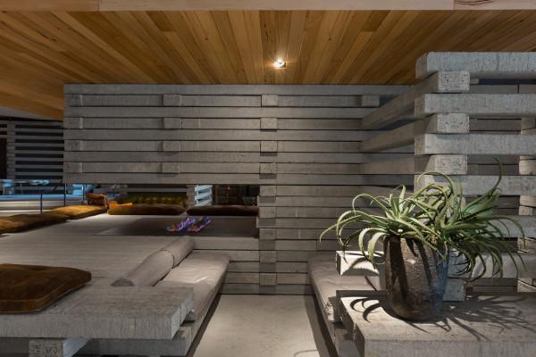 Destin-Hotel-Hotel-Canberra-4-Fireplace