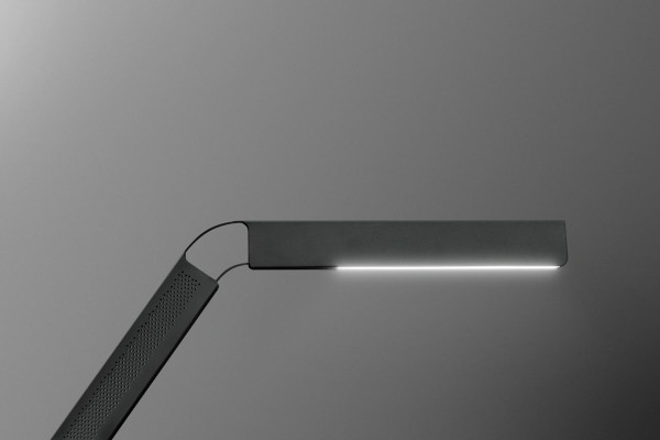 FADE-Task-Light-Box-Clever-5a