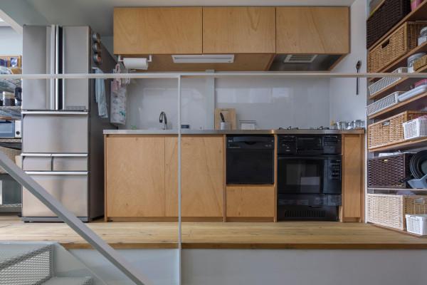 Kakko-House-Yoshihiro-Yamamoto-YYAA-7-Lv3-to-Lv4-kitchen