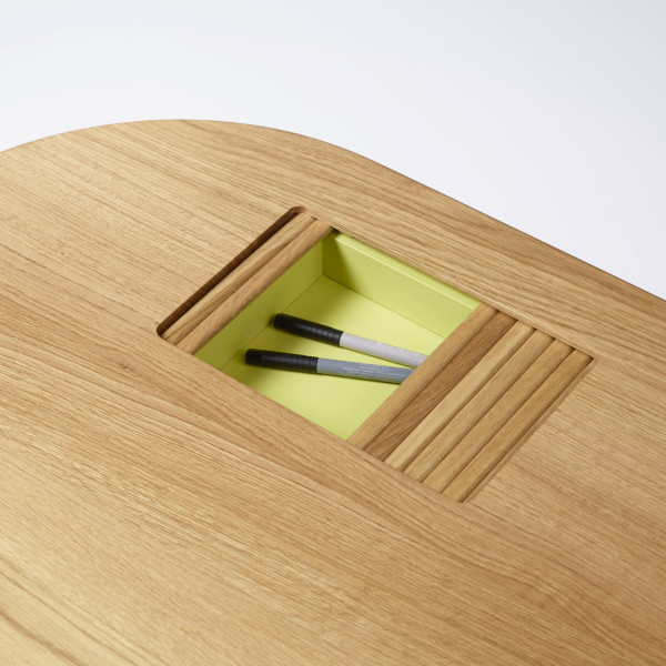 Latitude Desk