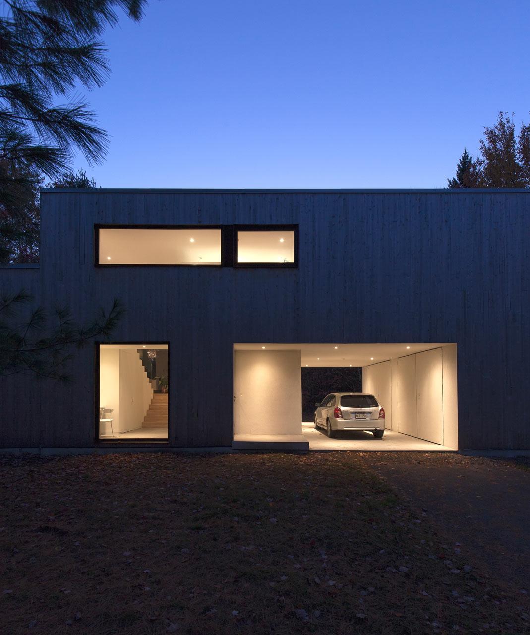a 90 s split level bungalow goes modern design milk a 90 s split level bungalow goes modern