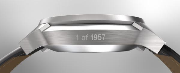 Mondaine Helvetica No1 Smart Watch-side