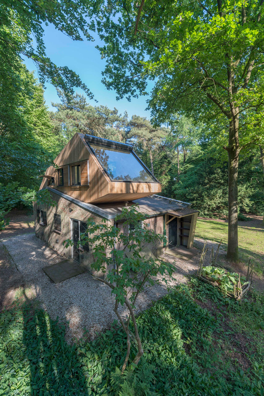 Netherlands modern holiday house in the forest design milk for Forest house