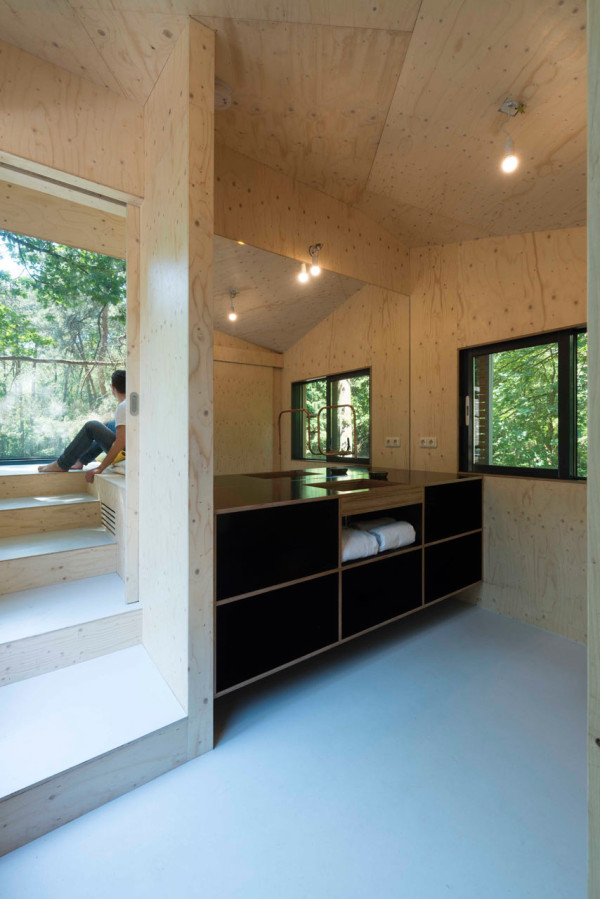 Transformation-Forest-House-Bloot-4