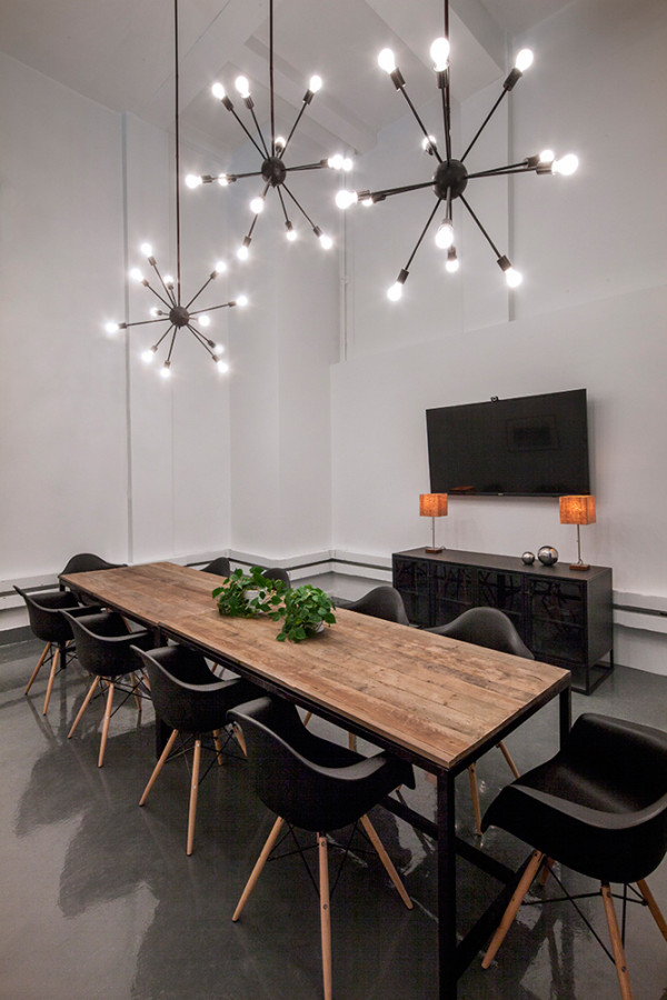 Conference Room Lighting Design: Bluecore By HUXHUX Design For Homepolish