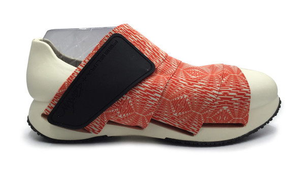 Karim-Rashid-Shoes-Fessura-8