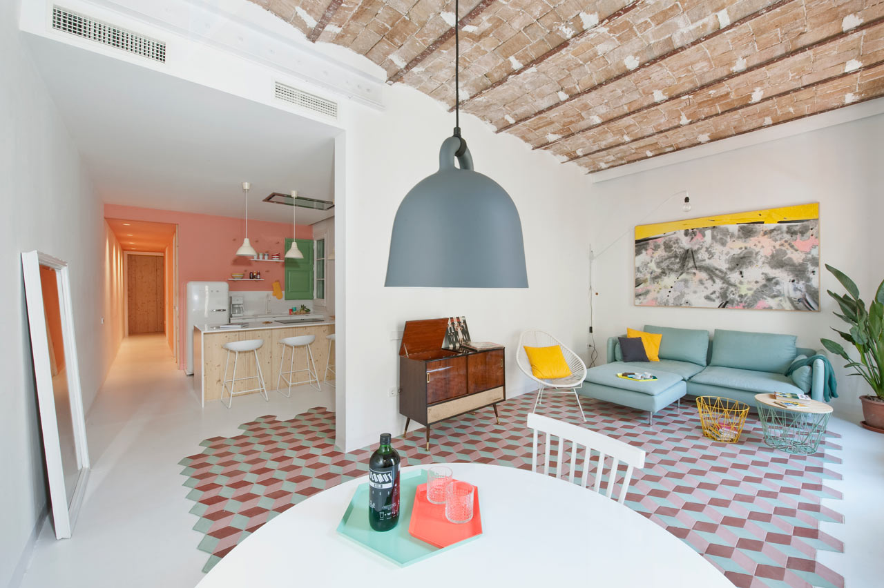 A Fresh, Happy Holiday Apartment in Barcelona