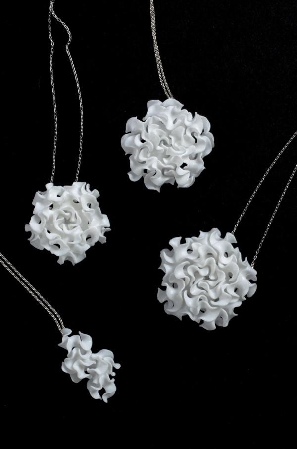 nervous-system-floraform_white_pendants