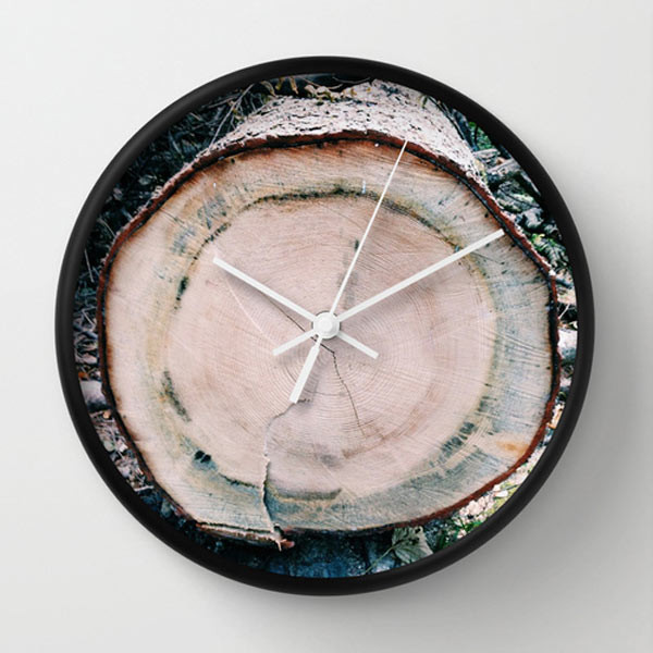 wood-clock-tree