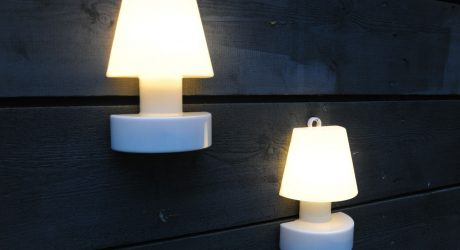 A Hanging Lamp for your Outdoor Walls