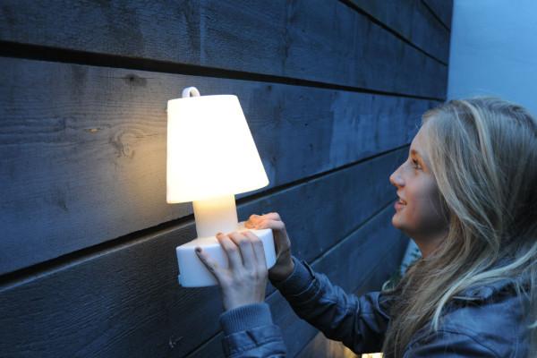 BLOOM-Wall-Lamp-outdoor-Rob-Slewe-2