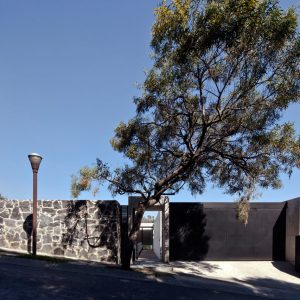 An Unassuming Facade Hides a Large, Modern House in Mexico City