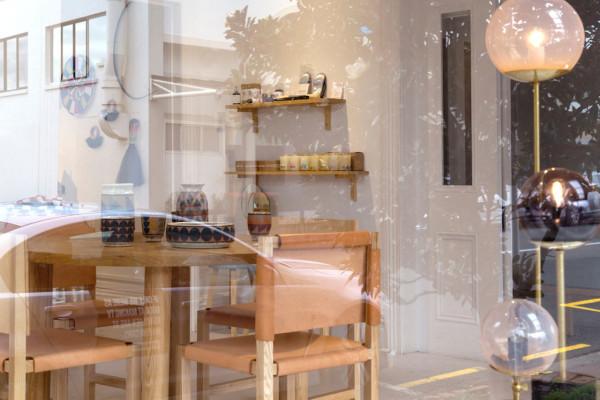 D&B-Store-window