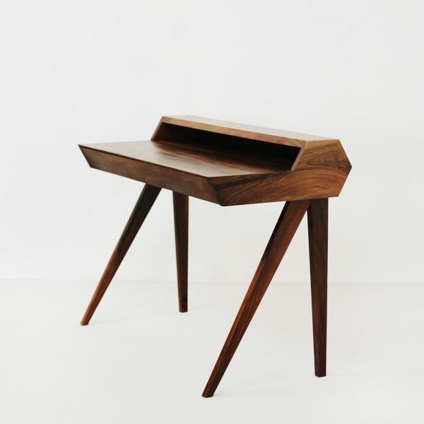 Desk A 1