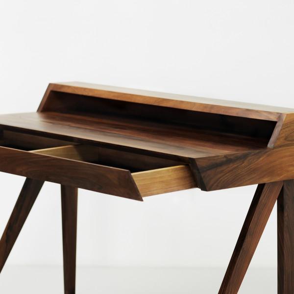 Desk A 4
