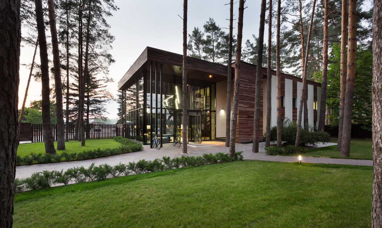 A Ukrainian Hotel for City Dwellers that Like to be in Nature