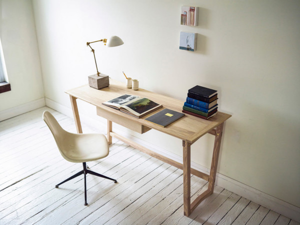 Ro-Summer-Collection-Norman-Cramer-5-desk