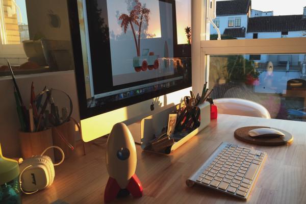 miguelcm-at-home-desk-setup