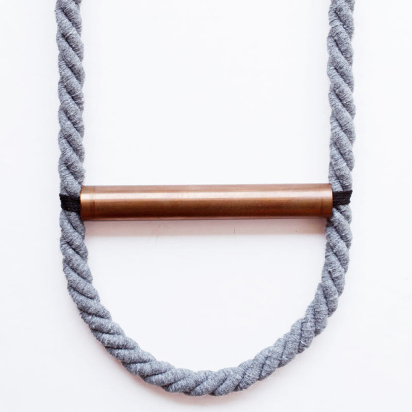 mylifebox-twisted-gray-necklace