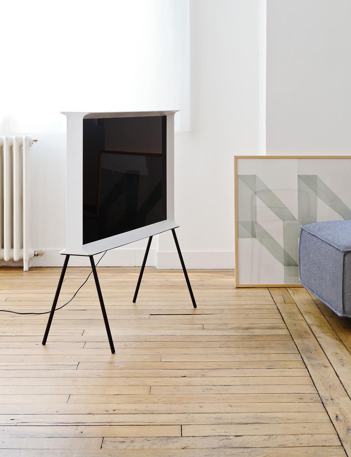 ronan erwan bouroullec 39 s samsung serif tv design milk. Black Bedroom Furniture Sets. Home Design Ideas