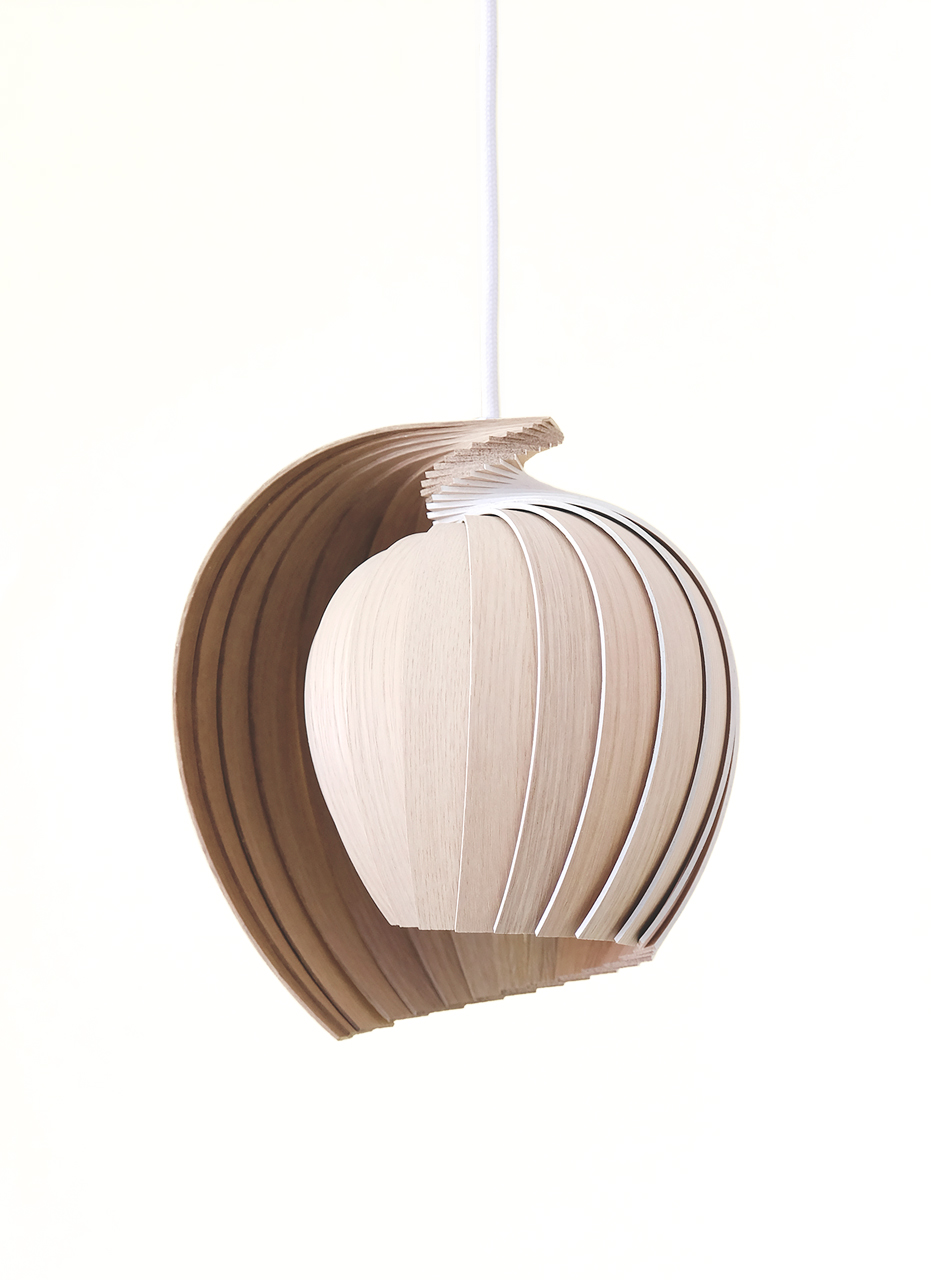 A Flat-Packed Lamp Made From 25 Pieces