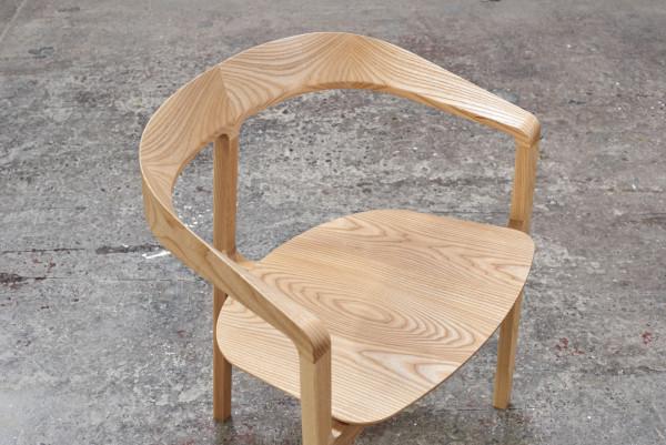 Bow-Chair-Tom-Fereday-4
