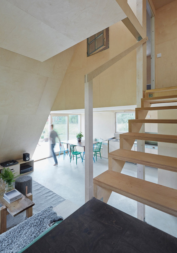 Leo-Qvarsebo-Triangular-Villa-9