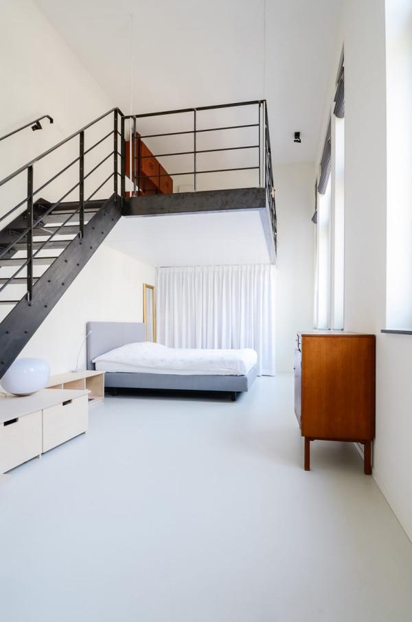 OnsDorp-StandardStudio-former-school-apartment-11