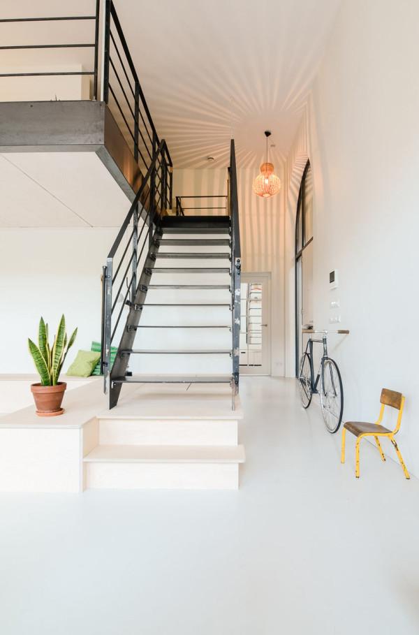 OnsDorp-StandardStudio-former-school-apartment-4