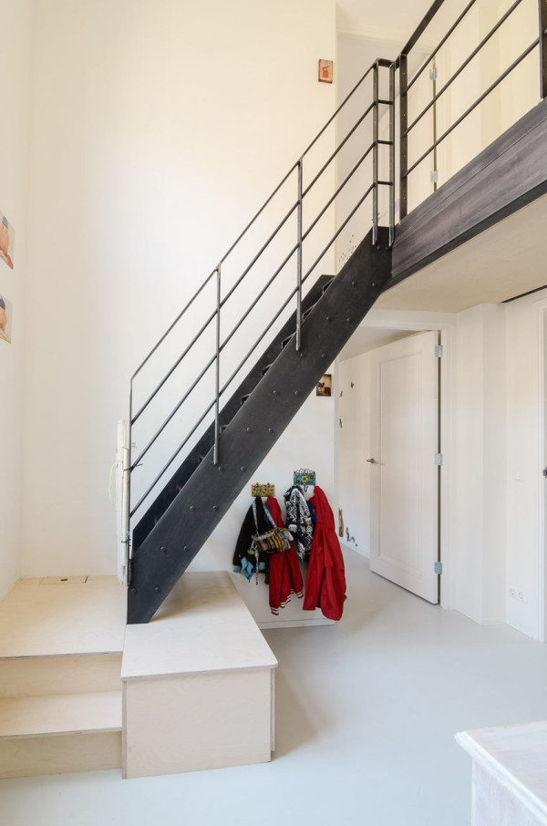 OnsDorp-StandardStudio-former-school-apartment-9