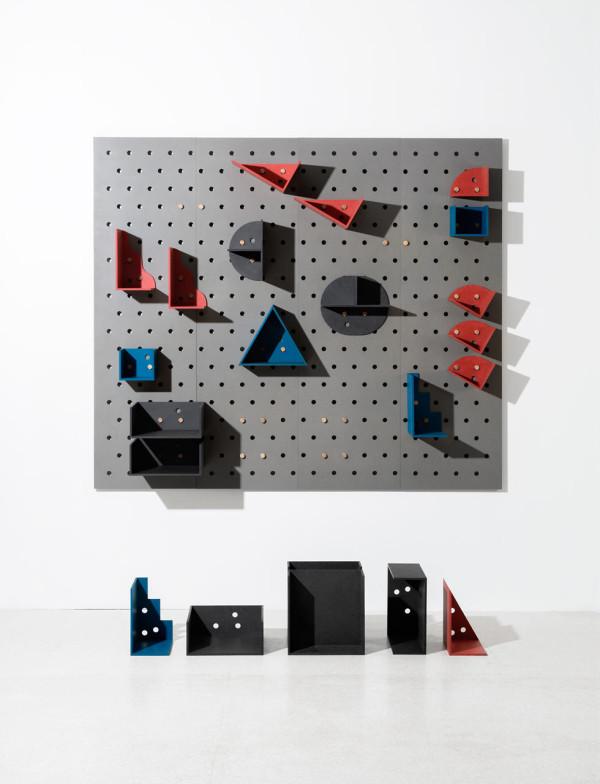 Plakativ-wall-shelf-Christoffer-Aadalen-2