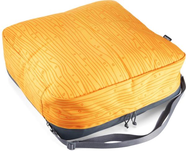 Grounded Cushion