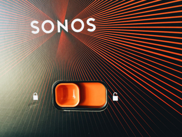"""The packaging for the new Sonos PLAY:5 is a playful nod to the skeuomorphic UI vocabulary to """"swipe to unlock"""" we've all become used to on our digital devices."""