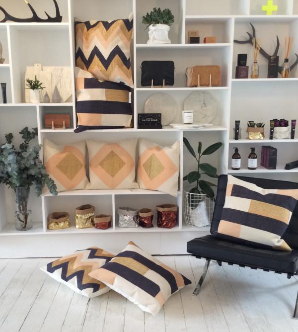 Styled-Shelves-in-MintSix