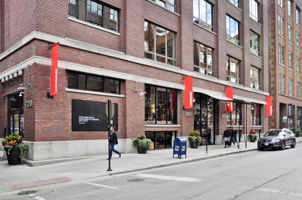 luminaire-chicago-showroom-exterior-1